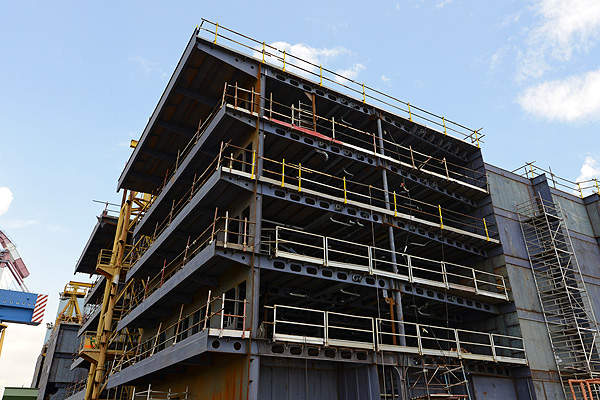 Mining at Ellendale consists of conventional open pit operations involving drill, blast, load and haul. Image courtesy of Gem Diamonds.