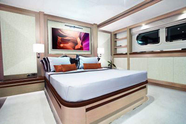 The mining fleet at Bissett Creek will include two Cat D7E class dozers.