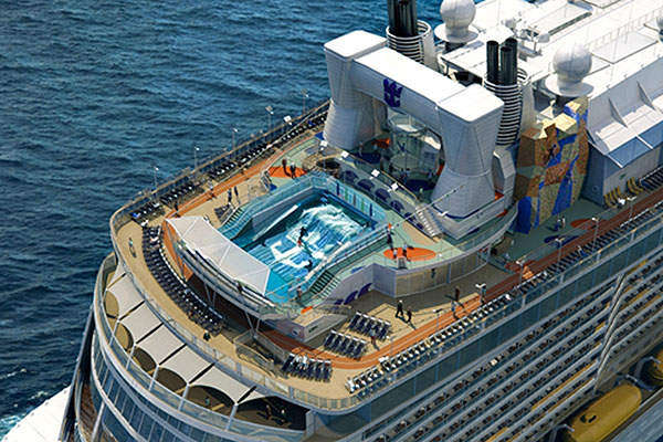 Drayton mine uses four Hitachi excavators for extracting coal. Image courtesy of Anglo American.