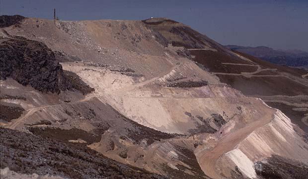 Protestors demand closure of Minas Conga copper and gold mine