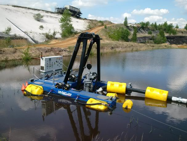 Dragflor remote-control dredge in pond